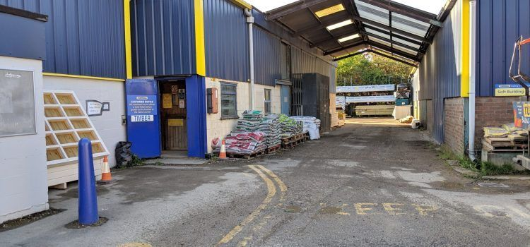 Sleaford Building supplies yard - builders merchant