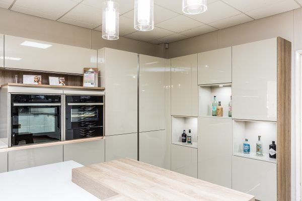 Modern Kitchen - high gloss cabinets and integrated appliances