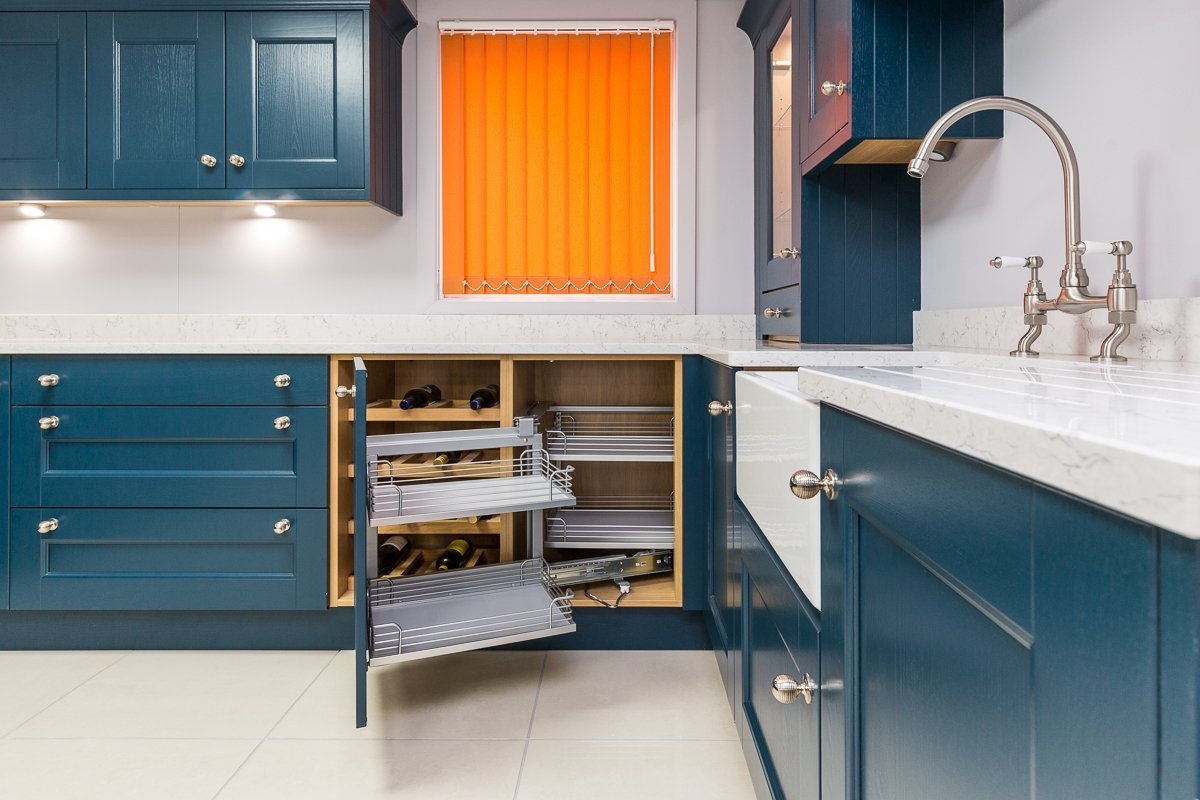 Traditional Shaker kitchen in Navy