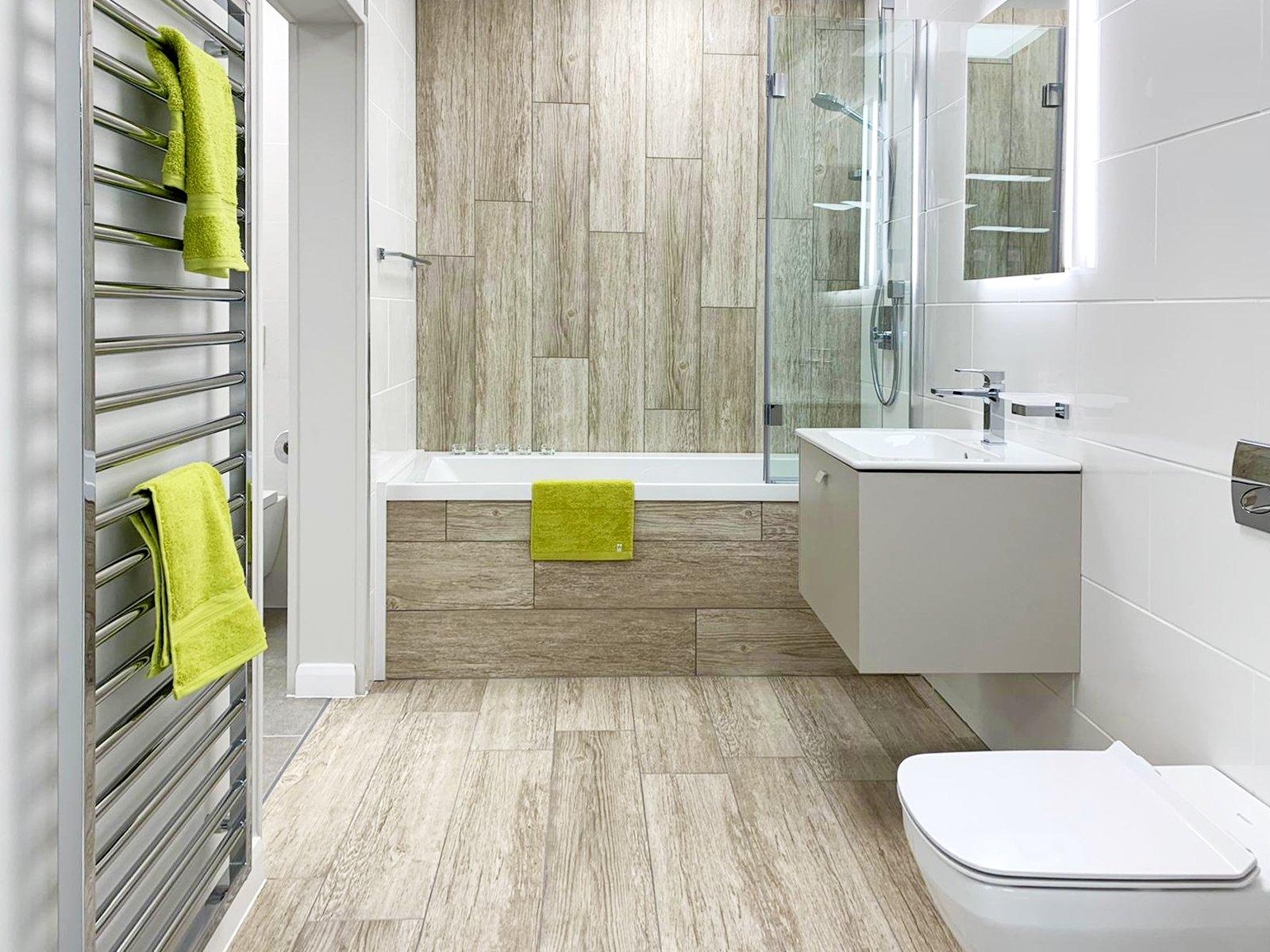 Wall hung toilet and basin vanity unit bathroom
