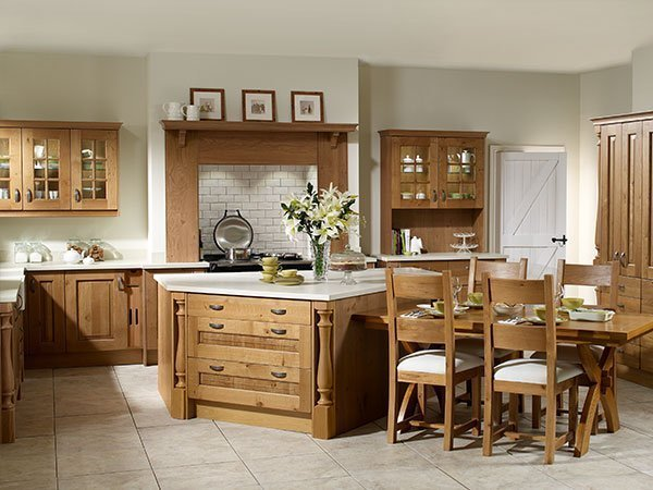 No paint in sight - just the eternally rich tones of natural oak