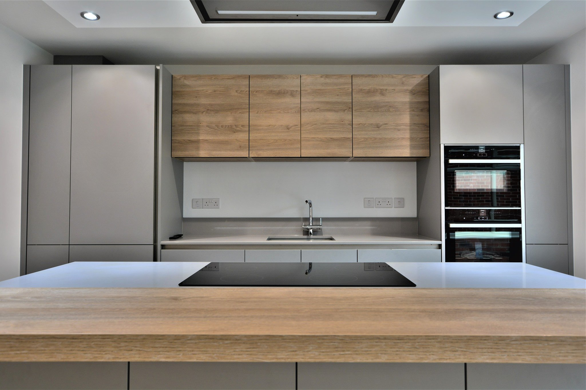 Matt grey and natural wood are classic combinations