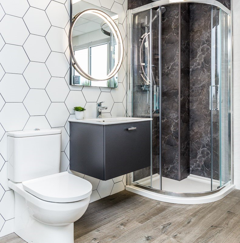 Go graphic with hexagonal bathroom tiles