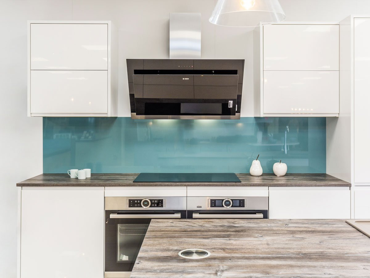 Modern Kitchen with Aqua high gloss backsplash