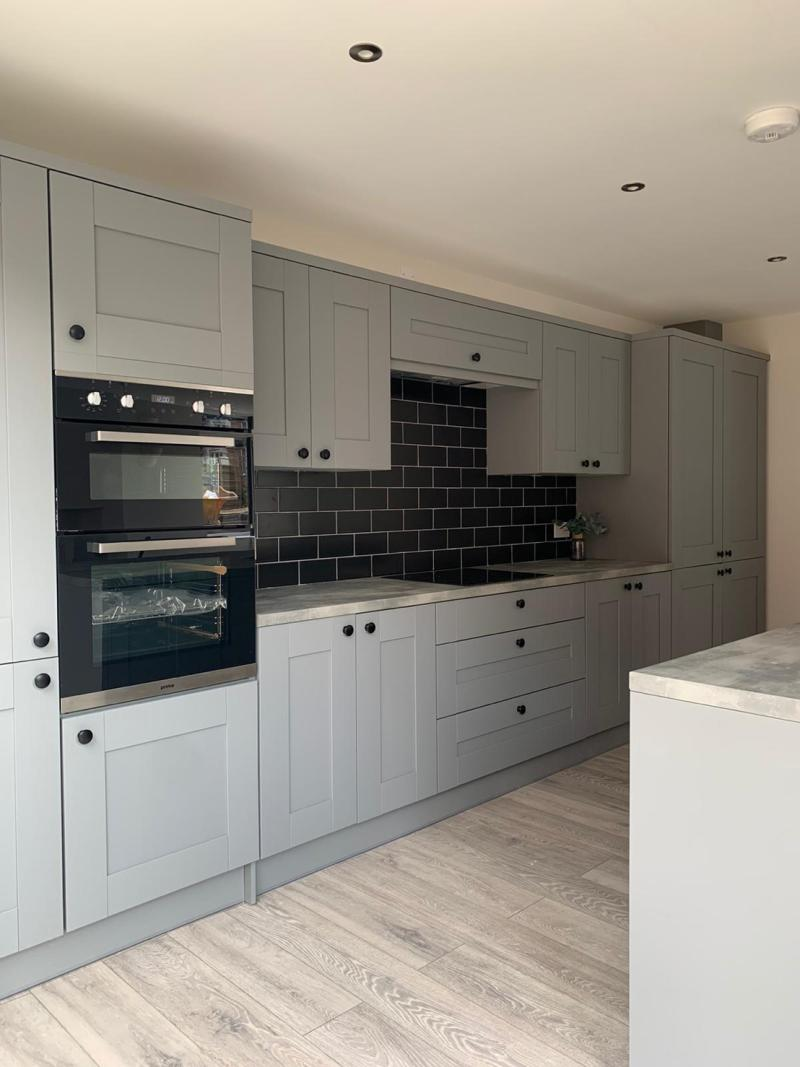 Symphony Cranbrook kitchen - Cobble Grey kitchen for a developer in Brigg