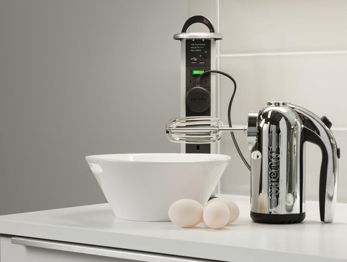 A great little kitchen idea - pop-up sockets