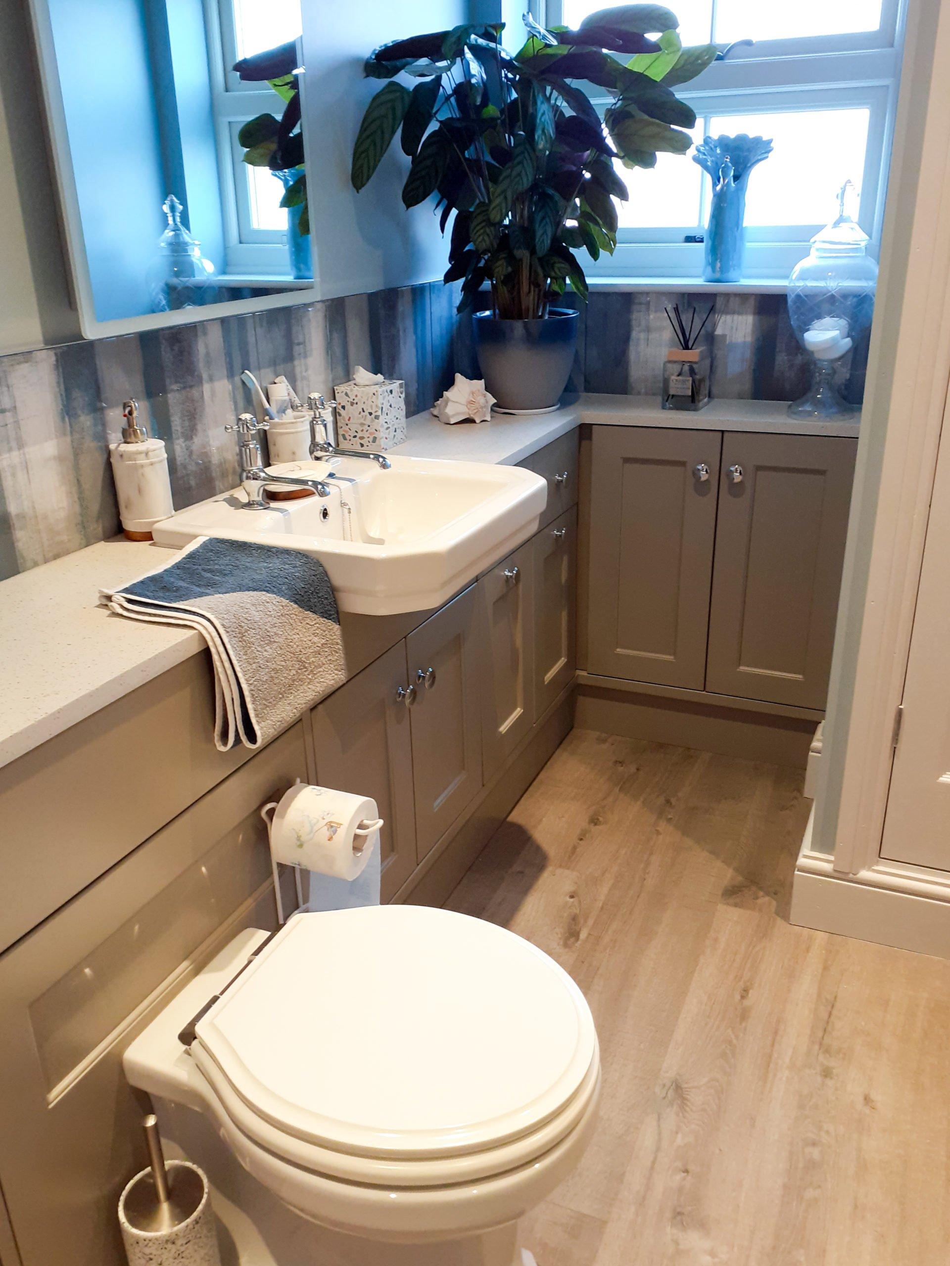Roper Rhodes Harrow toilet and matching basin