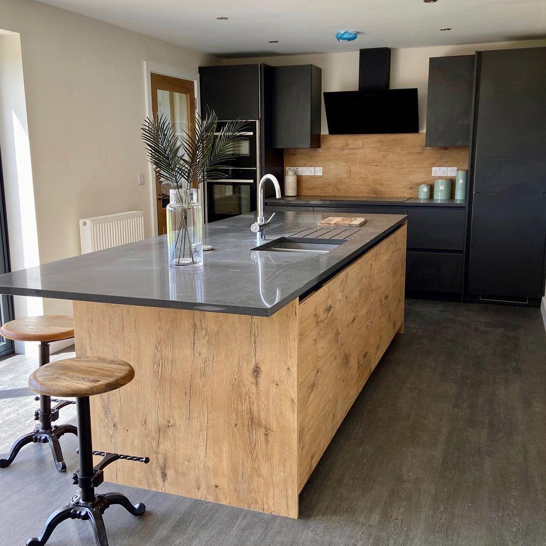 Statement Rotpunkt modern kitchen