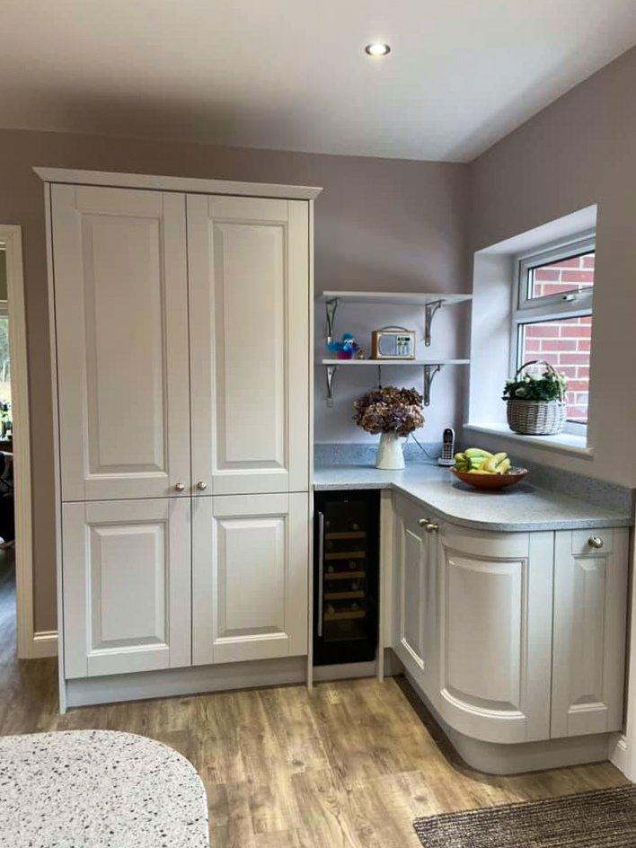 Symphony Wexford kitchen units in Platinum