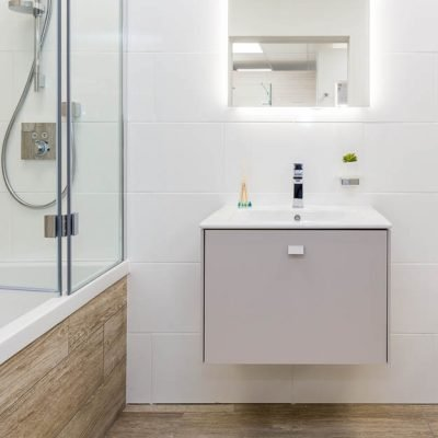 Wall-hung bathroom furniture for small bathrooms