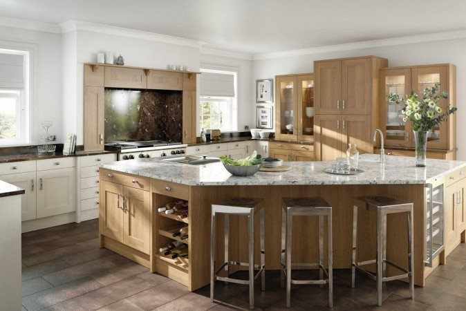 Country kitchen island with real presence