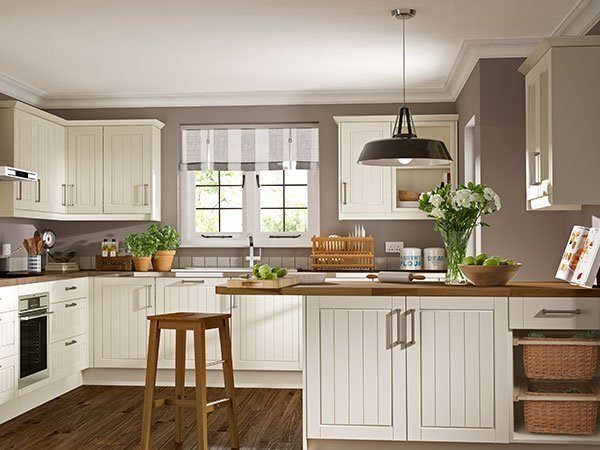 Off-White painted cabinets with natural wood and basketry